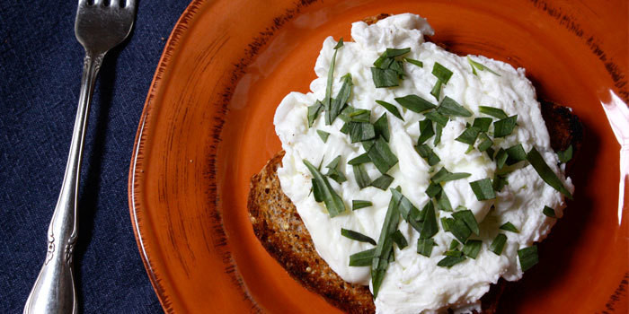 Lipstick And Lunges - Herb Poached Eggs - 21 Day Fix recipes