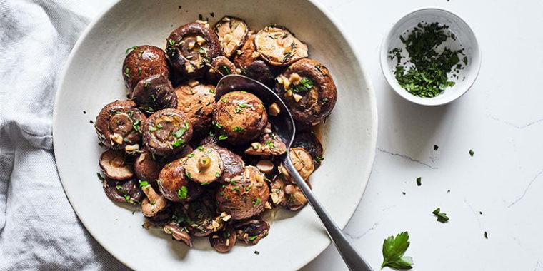 Lipstick And Lunges - Crock Pot Garlic Mushrooms