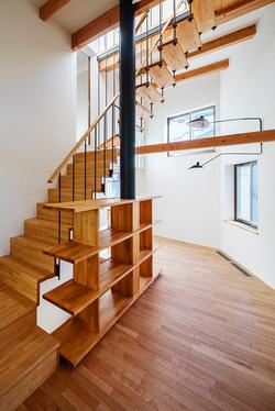 のびのびとした雰囲気のため、階段を軽やかにつくる