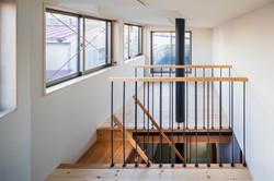 3階の子供室。温かい空気は黒いパイプで下階へ