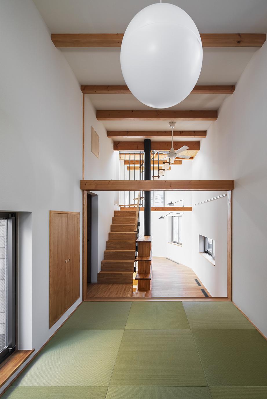 3階、道路、お庭側と様々な方向から光が入る