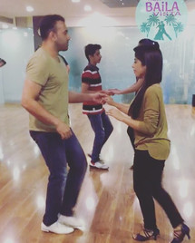Trying out what we learned in the class today on a bit faster song, with my beautiful wife _sameerarang (thanks for picking up salsa so grac