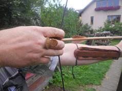 Použití chrániče prstů a chrániče předloktí