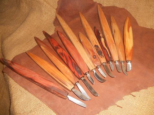 Nůž prohnutý kovaný