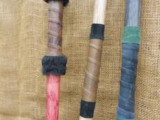 Porovnání běžných rukojetí a rokojeti s kožešinou