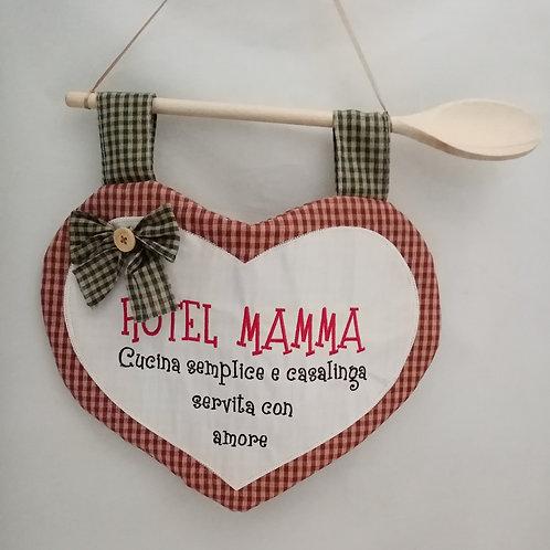 """CUORE RICAMATO IN STOFFA STILE COUNTRY """"HOTEL MAMMA"""""""