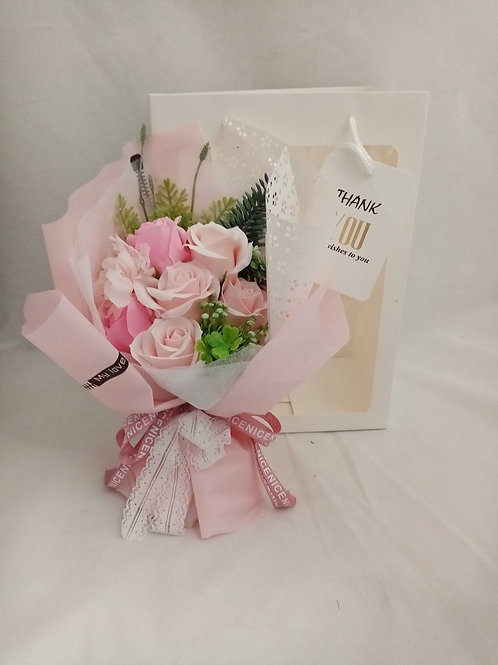 "MAZZO DI ROSE ARTIFICIALI IN CONFEZIONE REGALO ""THANK YOU"""