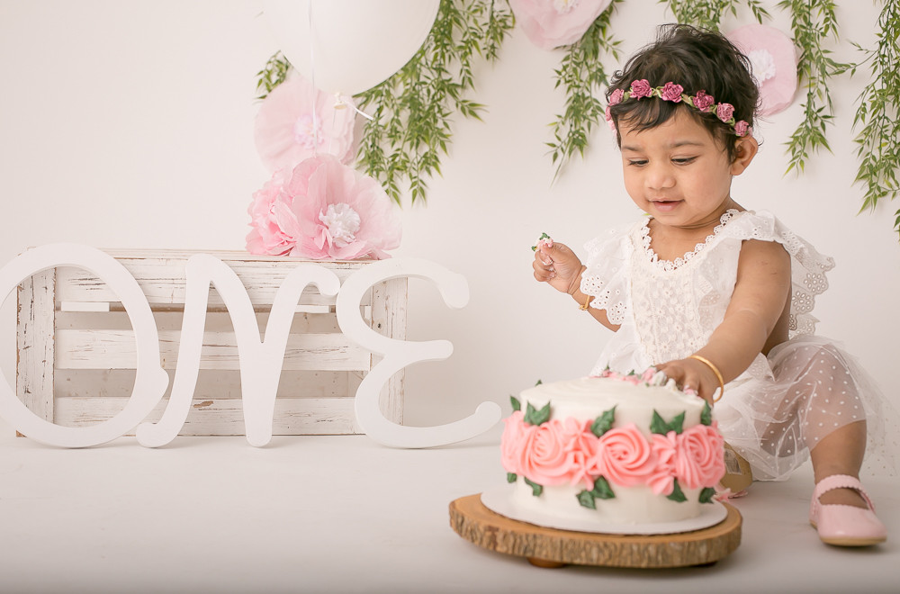 One Year Cake Smash - West Vancouver (1 of 1).jpg