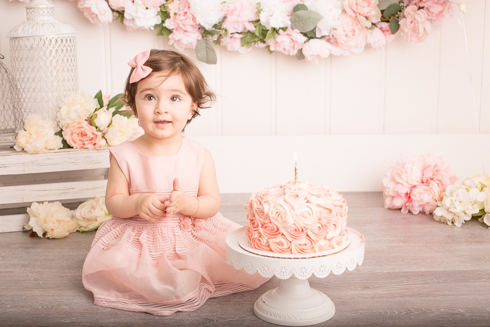 One Year Cake Smash - West Vancouver (1 of 1)-8.jpg