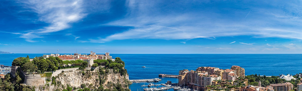 Panoramic%2520view%2520of%2520prince's%2520palace%2520in%2520Monte%2520Carlo%2520in%2520a%2520summer