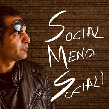 Donato Mingrone - Social Meno Sociali