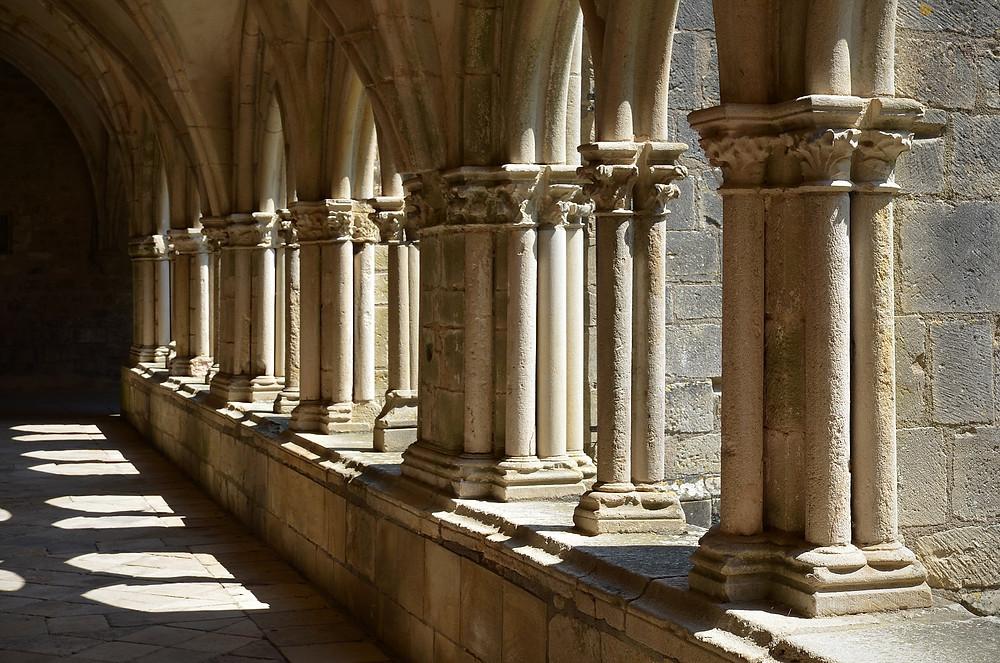 cloître de l'abbaye de Noirlac (Cher)