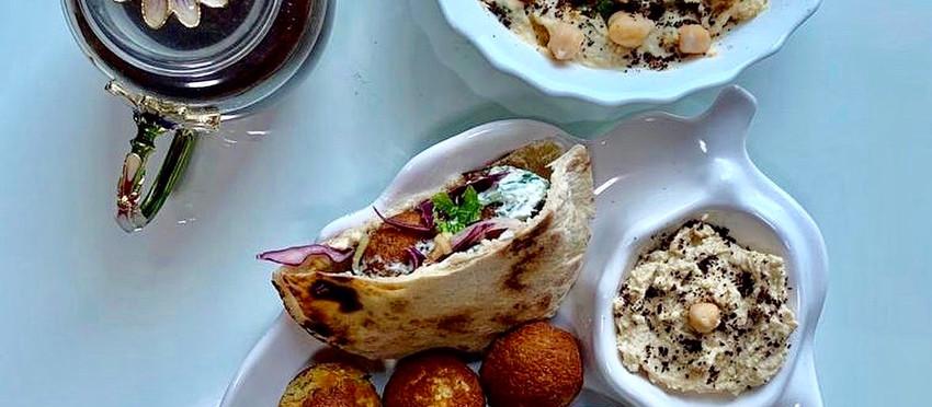 Falafel Pita Pockets with Tzatziki sauce & salad