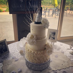 And our final wedding cake for this week