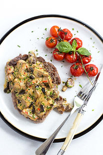 ribeye with mushroom, chilli & black garlic sauce