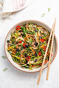 VEGAN LO MEIN WITH BLACK GARLIC