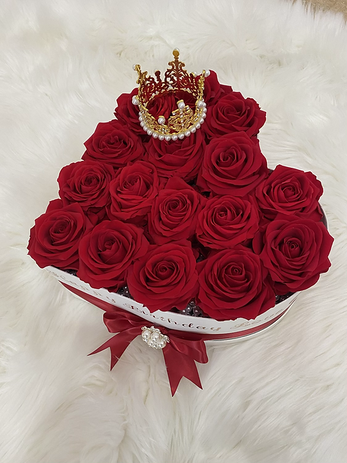 Queen Jumbo Heart Preserved Roses