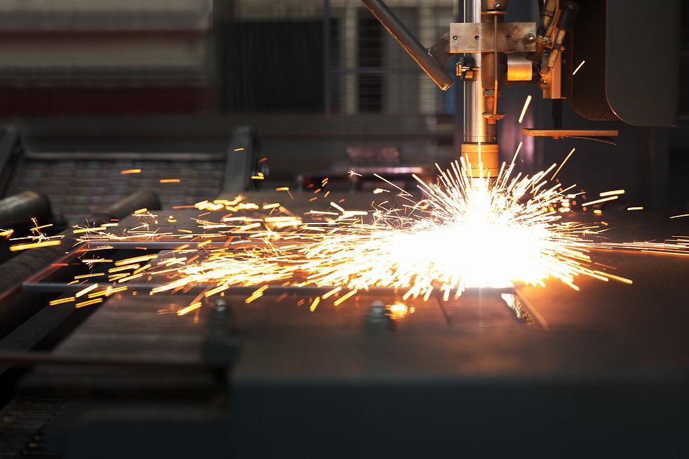 Industrial cnc plasma cutting of metal p