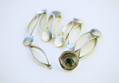 Folding Necklace with Emerald