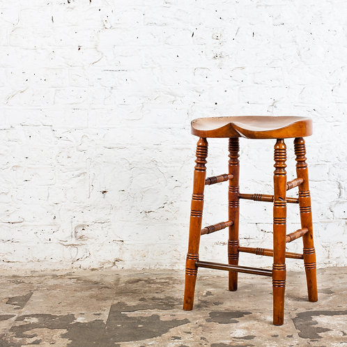 SHAPELY ANTIQUE GWR (GREAT WESTERN RAILWAY) HIGH STOOL
