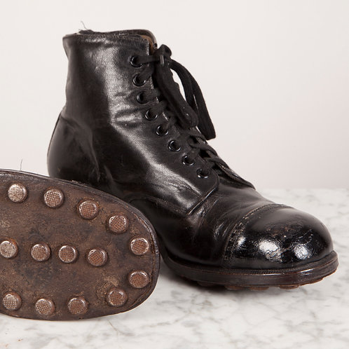 WONDERFUL PAIR OF LEATHER CHILD'S HOBNAIL BOOTS