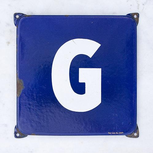LOVELY VINTAGE, BLUE + WHITE LETTER G ENAMEL SIGN
