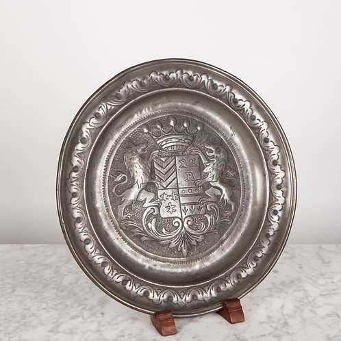 DECORATIVE 19TH C. PEWTER PLATE WITH ARMORIAL