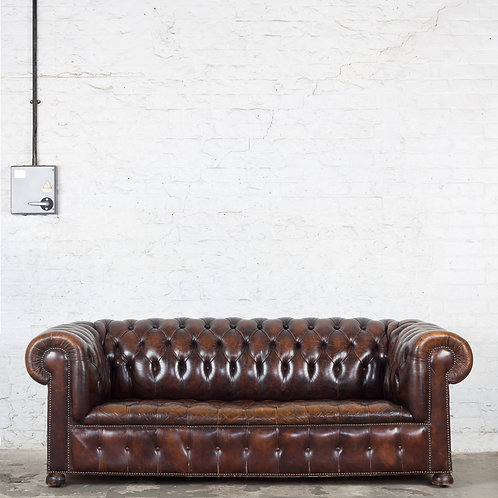 A VINTAGE, RICH BROWN LEATHER CHESTERFIELD SOFA