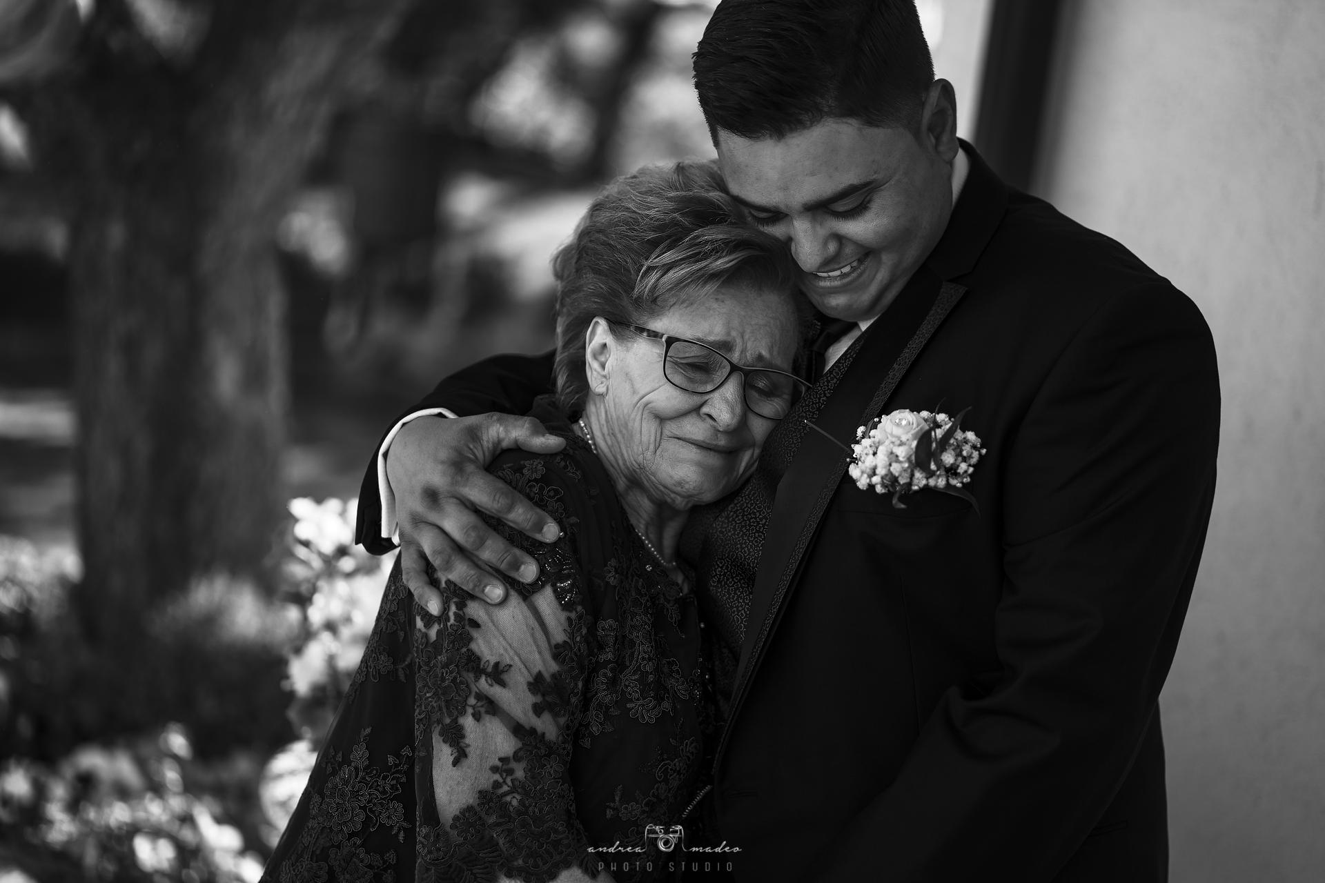 Sposo con la nonna
