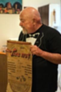 """מציג תפריט של מסעדת וירה,כפר שמריהו 1971 .של אימי וי יעקובי ז""""ל ושותפתהאירה פרדו ז""""ל"""