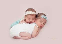 twin baby pose