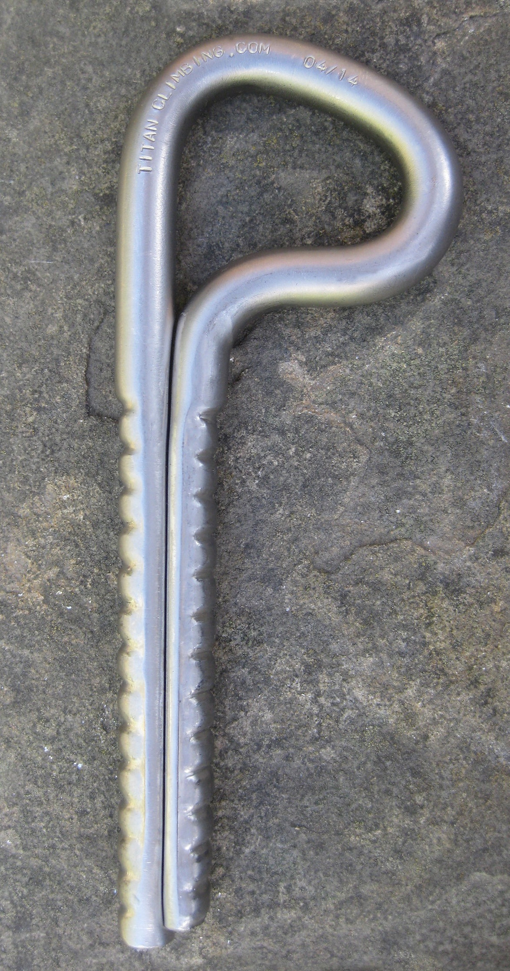 HowNOTtoHighline Bolting Bible Book of Anatomy Titan Climbing Titanium Glue in Bolt for Climbing and Highline Anchors