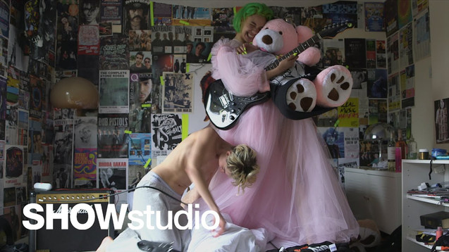 SHOWSTUDIO - THE WORST CRIME IS FAKING IT