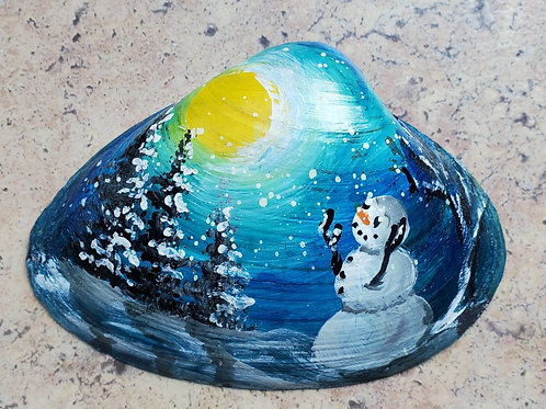 Snowman Seashell by Simone Germain