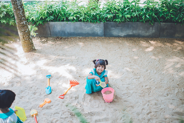 A student from Jade Drive is smiling. Are you ready to make a difference in the lives of children, and join a winning team? Jade drive International Preschool teaching vacancies available. Apply Today! Forward your CV and Cover letter to info@jadedrive.lk