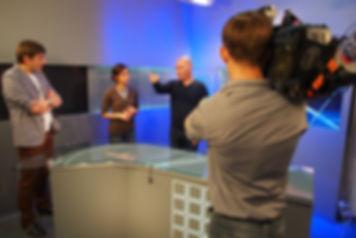 Seamus Kearney - journalist/correspondent/media relations consultant/media trainer/moderator of conferences & debates, based in Lyon, France.