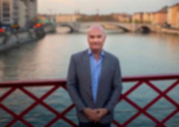 Seamus Kearney, Seamus Kearney Media, TV & Radio Journalist, France & Europe Correspondent, Freelance & Independent, Media Relations Consultant, Media Trainer, Moderator of Conferences, Debates & Round Tables, Based in Lyon, France