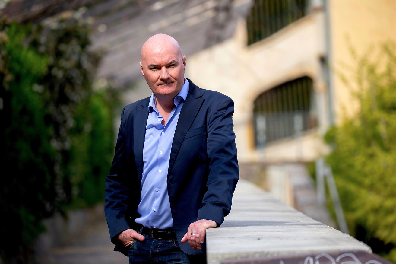 Seamus Kearney, Seamus Kearney Media, TV & Radio Journalist, France & Europe Correspondent, Freelance & Independent, Media Relations Consultant, Media Trainer, Moderator of Conferences & Debates, Based in Lyon, France