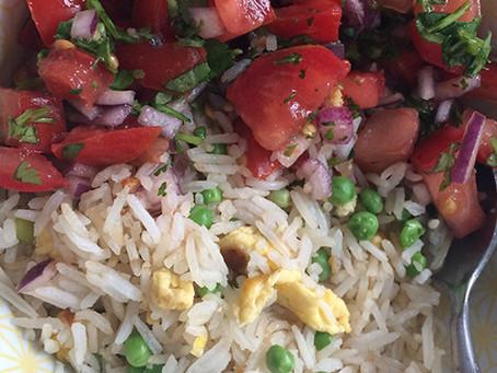 Vega recept | Gebakken rijst met tomatensalsa