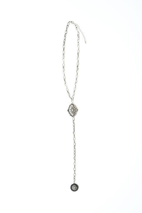 SILVER LARIAT STYLE NECKLACE WITH SILVER CONCHOS N1216