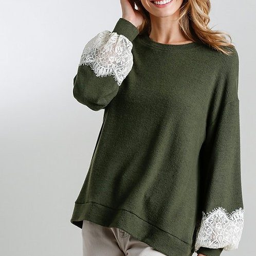 Umgee Round Neck Top with Lace Detail on Sleeves M5030