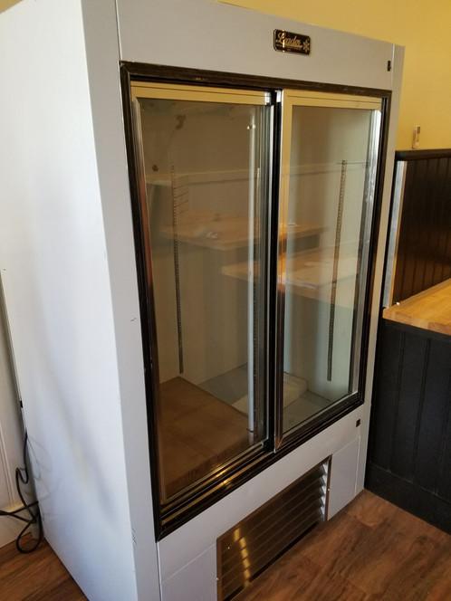 Leader Ls48 Two Door 48 Sliding Glass Door Reach In Refrigerator