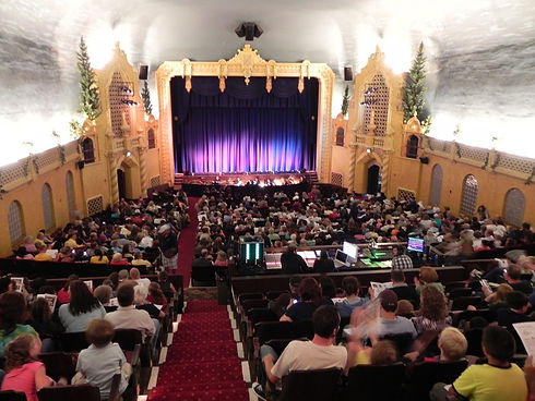 7th-Street-Theatre-article-Audience-in-T