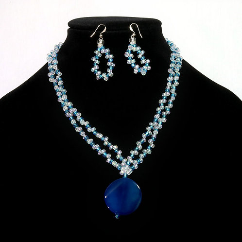 BLEU ENSEMBLE PEARL / SOLD WITH EARRINGS