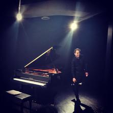 performance at RU Yamaha salon.jpg
