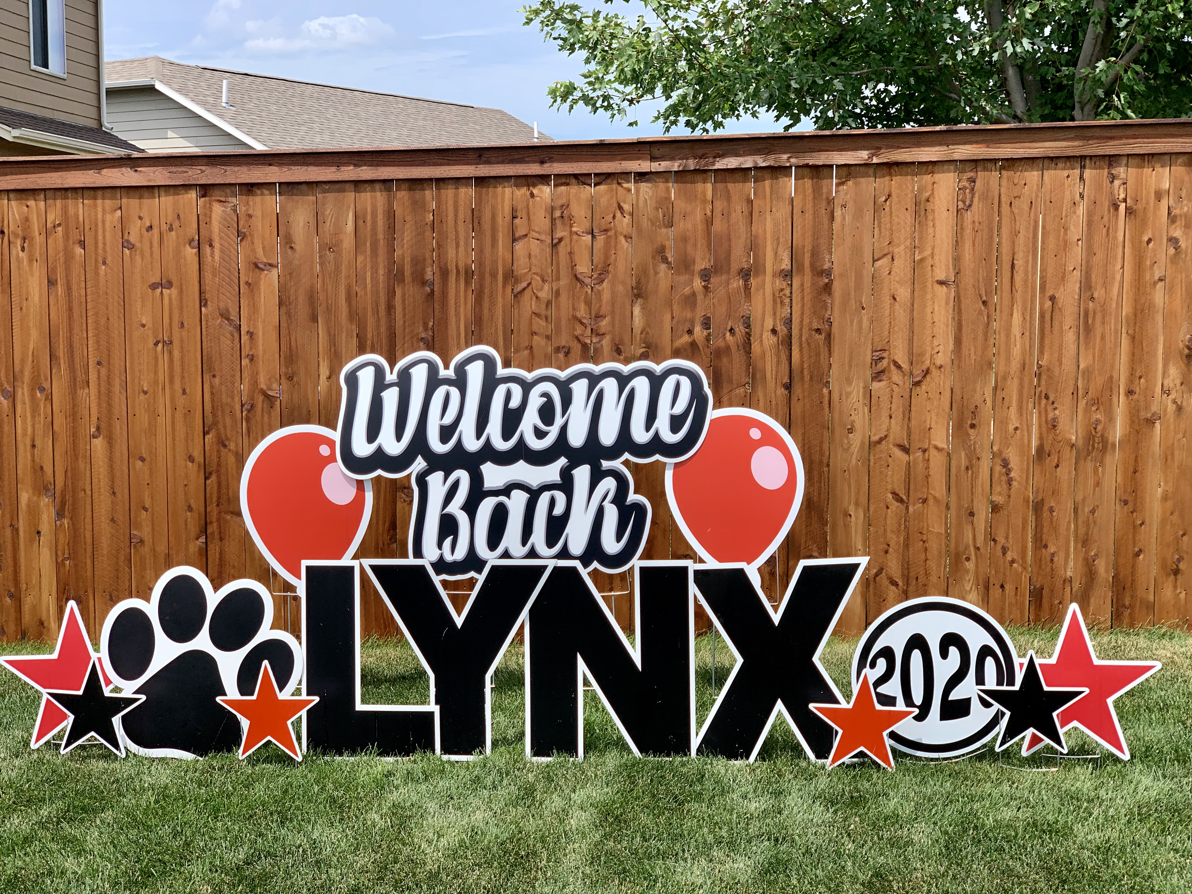 Welcome Back Lynx Yard Sign