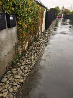 Large Rounds - Drive Way Edge