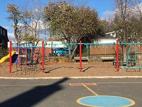 photo cour école fondation.jpg