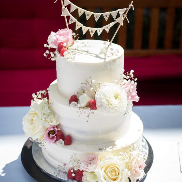 Bloemen op de taart