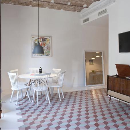 Clarté, Couleur et Douceur : Tyche Apartment par Archilovers
